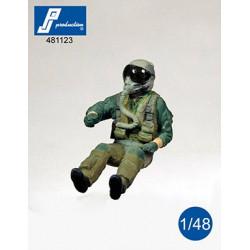 481123 - F-16/F-18 pilot...