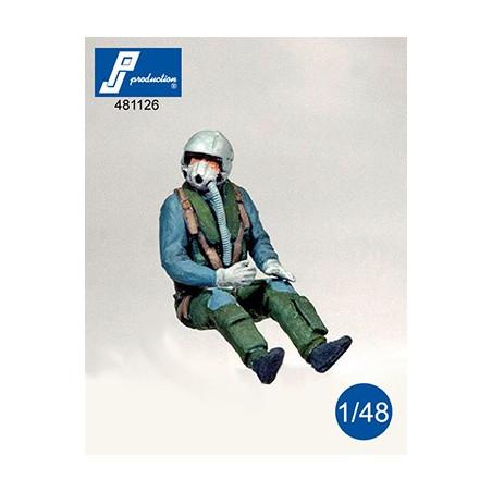 481126 - Pilote de F-4 Allemand assis aux commandes