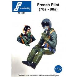 321121 - Pilote français assis aux commandes (70'-90')