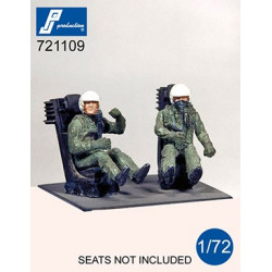 721109 - US Pilots seated...